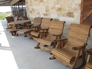 IMG 2570 300x225 Weekly Special: All Outdoor Furniture   10% OFF